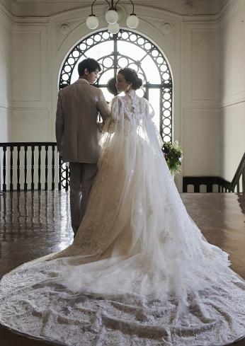 WEDDING DRESS - RENTAL
